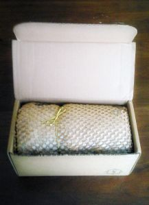 fragrant jewels candle in a box